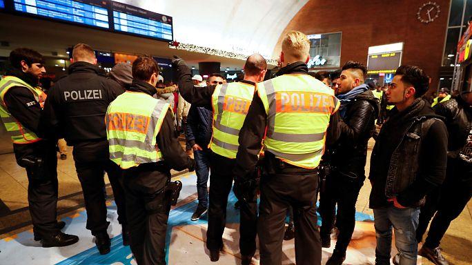 Polícia alemã recusa discriminação racial na detenção de centenas de africanos