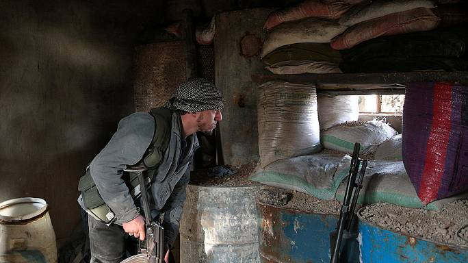 Syrische Rebellen frieren Gespräche über Friedensverhandlungen ein