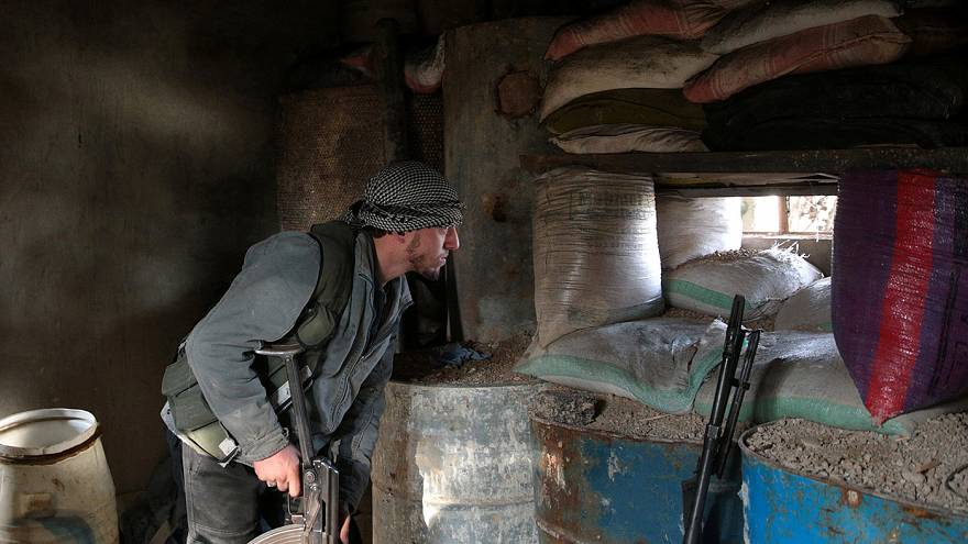 Rebeldes sirios no participarán en las negociaciones de paz si Al Asad no respeta el alto el fuego