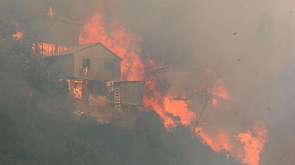 Chile: Valparaiso enfrenta de novo as chamas