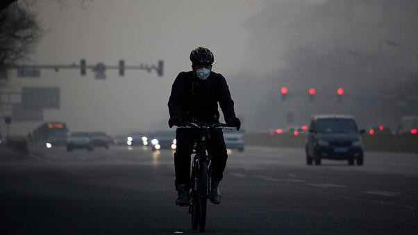 Dichter, grauer Smog über Peking
