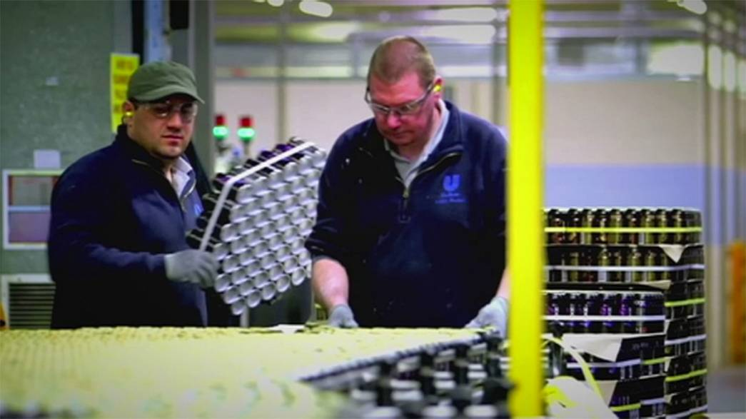 UK and Irish manufacturing show strong growth in December