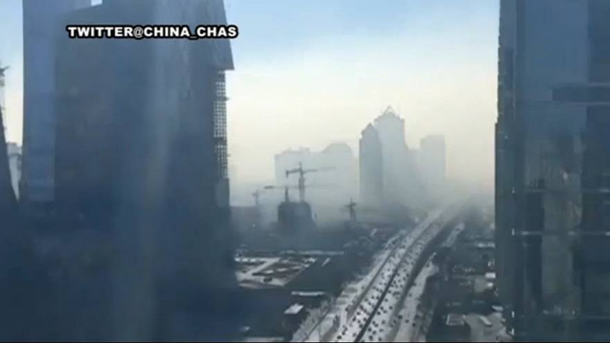 Time-lapse video shows Beijing engulfed by smog