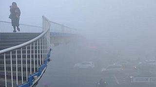 دخان ضبابي يغطي مدن صينية