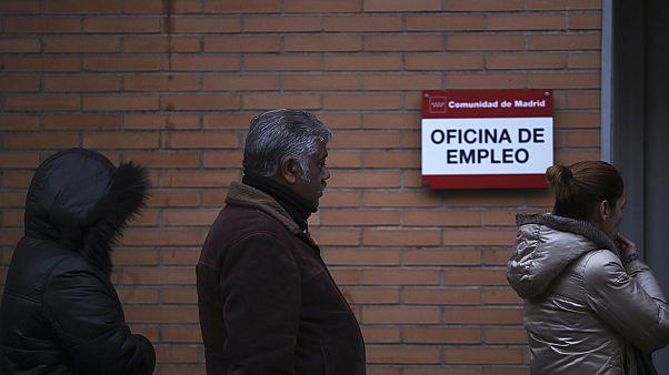 Los contratos precarios hacen que el paro en España registre el mayor descenso en los últimos 17 años