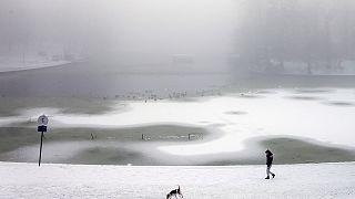 Befagyott a Tisza a sarkvidéki hidegben