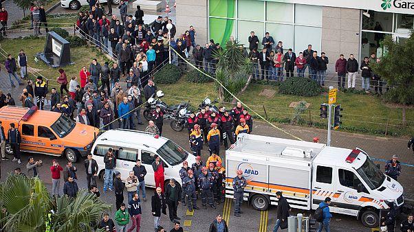 انفجار در ازمیر ترکیه؛ دست کم ۷ نفر زخمی شده اند