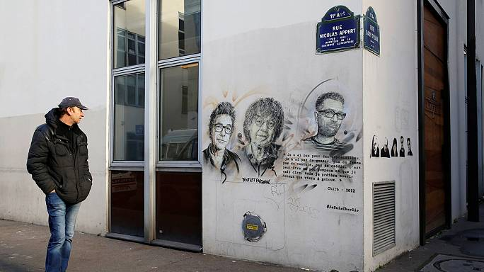 """Charlie Hebdo saldırısı 2. yılında """"sessiz ve soğukkanlılıkla"""" anıldı"""