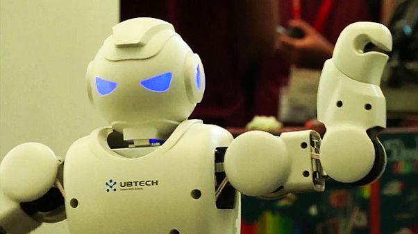 Robotokra cseréli alkalmazottjait egy japán biztosítótársaság