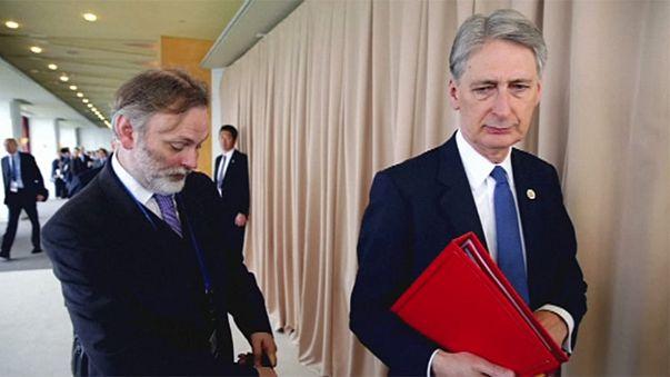 Críticas al Brexit y al comisario Günther Oettinger, y guerra energética Moscú-Kiev