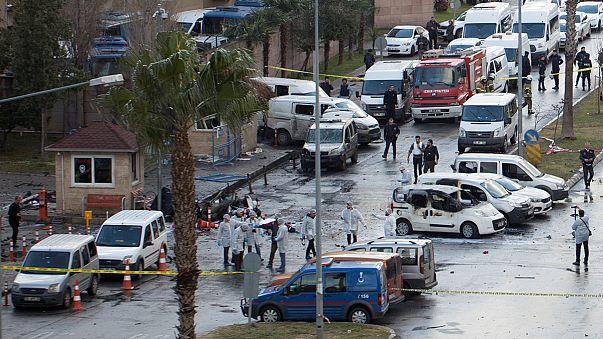 L'attentato a Smirne opera del Pkk dicono le autorità turche