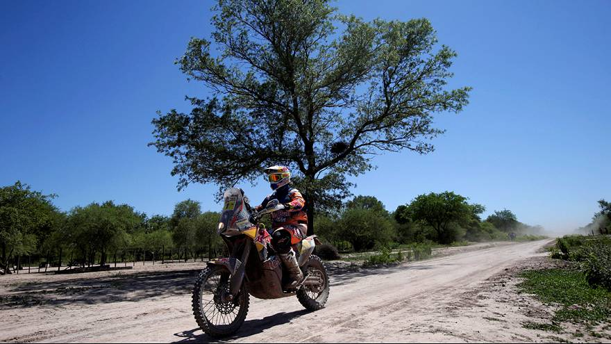 Price y Al-Attiyah abandonan el Dakar
