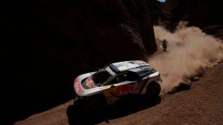 Carlos Sainz abandona en el Dakar tras un accidente