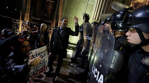 México: 4 muertos en los disturbios provocados por el incremento del precio de la gasolina