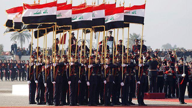 Iraque celebra Dia Nacional do Exército enquanto prosseguem os combatem