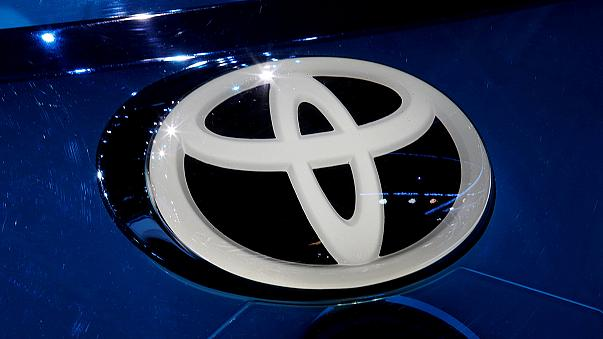 Donald Trump'ın yüklendiği Toyota'ya Japonya hükümetinden destek