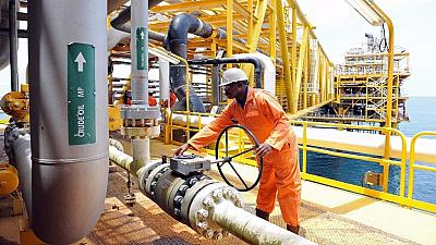 Nigeria lists companies allowed to lift crude oil in 2017