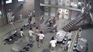 Biztonsági kamera vette fel a rabok verekedését egy amerikai börtönben