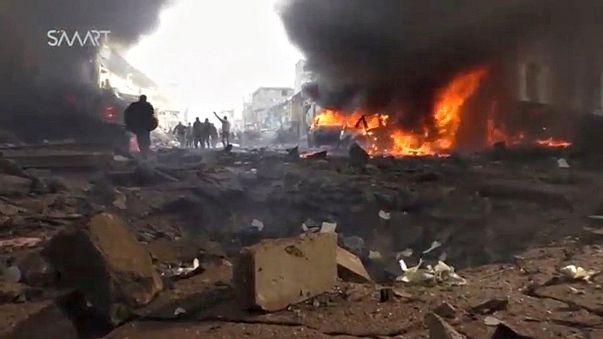 Siria: camion cisterna esplode in un mercato di Azaz: e' strage