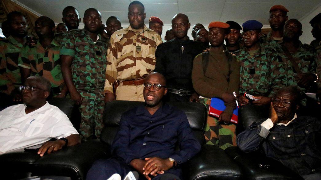 СМИ: военнослужащие Кот-д'Ивуара захватили в заложники министра обороны