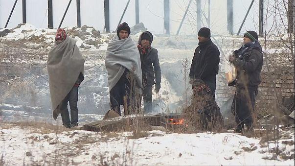 """""""General"""" inverno desafia refugiados no leste da Europa"""