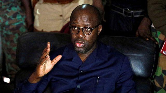 Ministro da Defesa da Costa do Marfim libertado pelos militares revoltosos