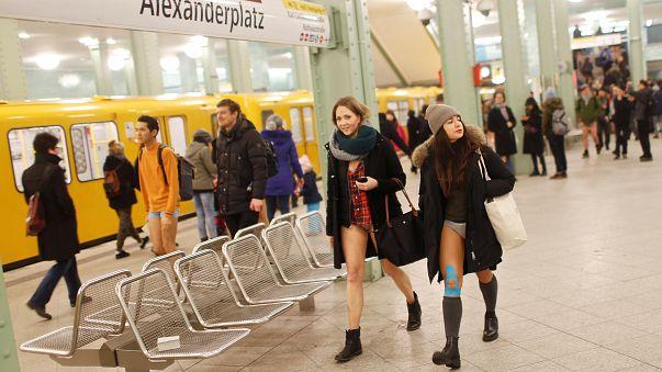 Berlin: In der Unterhose in die U-Bahn
