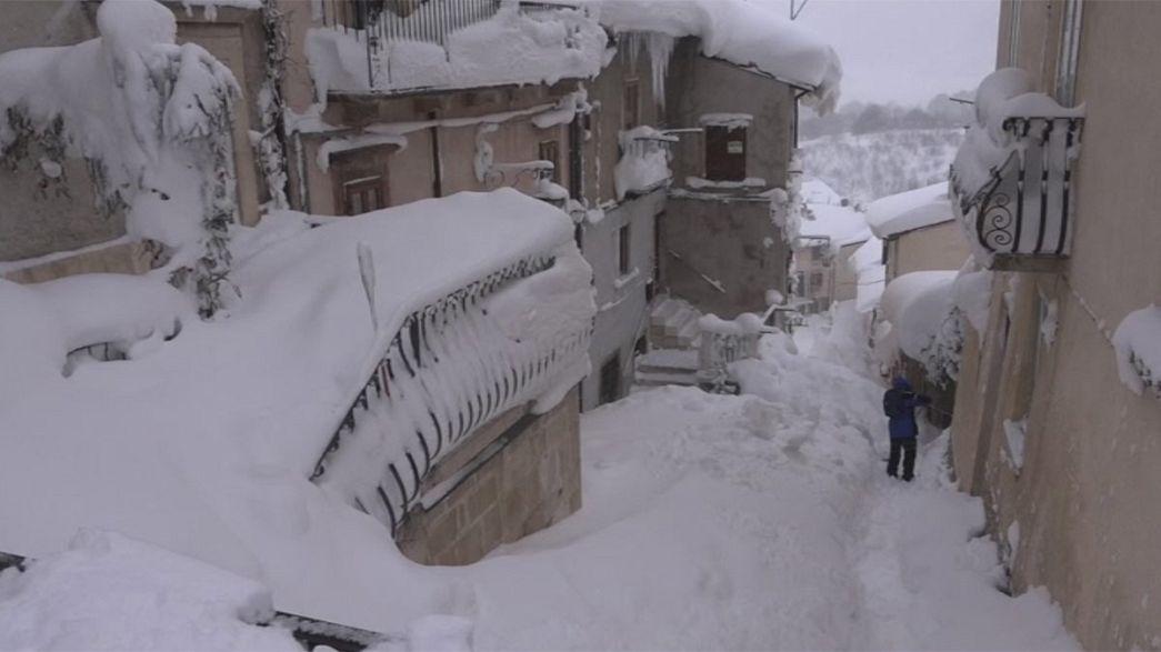 Frio extremo e neve fazem vítimas na Europa