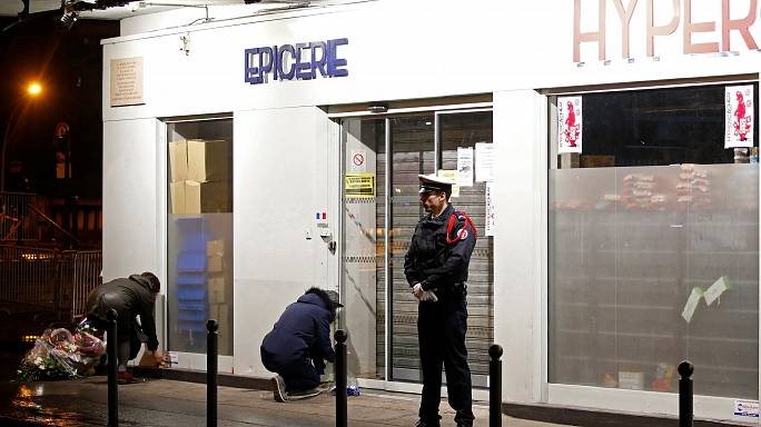 Paris'teki koşer marketi saldırısında yaşamını yitirenler anıldı
