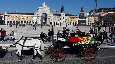 Portugal : Jospin et Désir aux obsèques de Soares