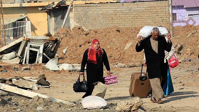 Mossoul : leur quartier repris, ils fuient par craintes de représailles