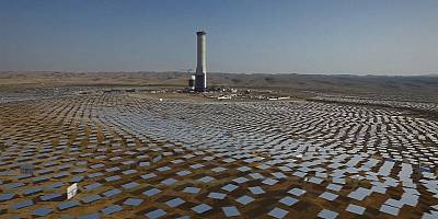 Israel builds world's tallest solar thermal tower in Negev Desert