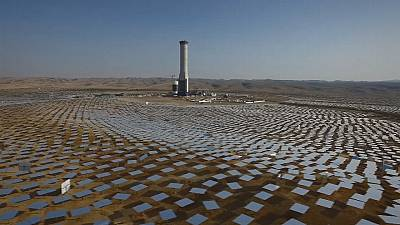 Israel builds world's tallest solar thermal tower in Negev Desert