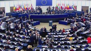 """Partito Popular Europeu revela acordo """"secreto"""" com socialistas"""