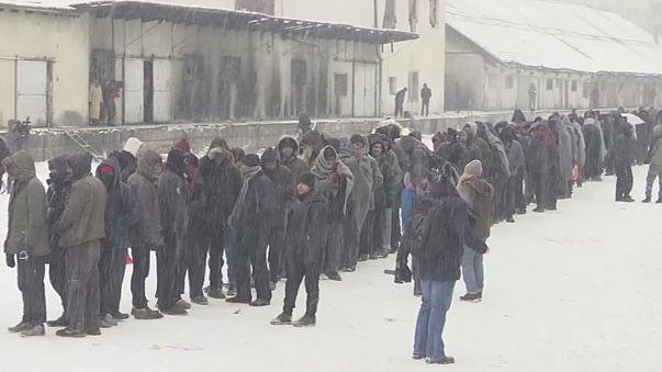 Több ezer menekült él sátrakban a rendkívüli hidegben