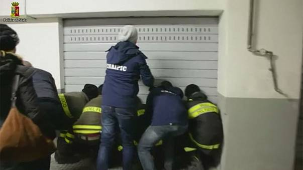 الشرطة الإيطالية تعتقل شقيقين بتهمة القرصنة على حسابات البريد الألكتروني لشخصيات إيطالية عامة