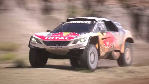 Loeb retakes lead, Sunderland sitting pretty in Dakar 2017