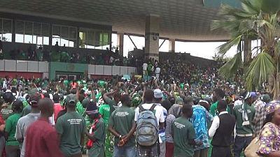Gambie : des militants de l'APRC dans la rue en soutien au président Jammeh