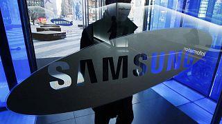 """Corruption en Corée du Sud : le patron de Samsung """"suspect"""""""