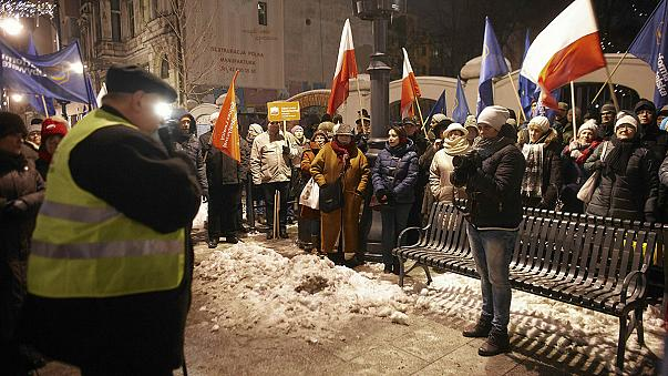 Continua a tensão política na Polónia