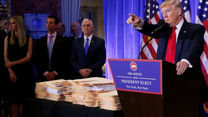 """Trump """"vergi"""" sorusunu """"yalan haber"""" diyerek bastırdı"""