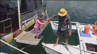 Alan és Que Langdon: sértetlenül ért partot apa és lánya Ausztráliában