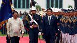 رئيس الوزراء الياباني شينزو أبيه يزور الفيلبين