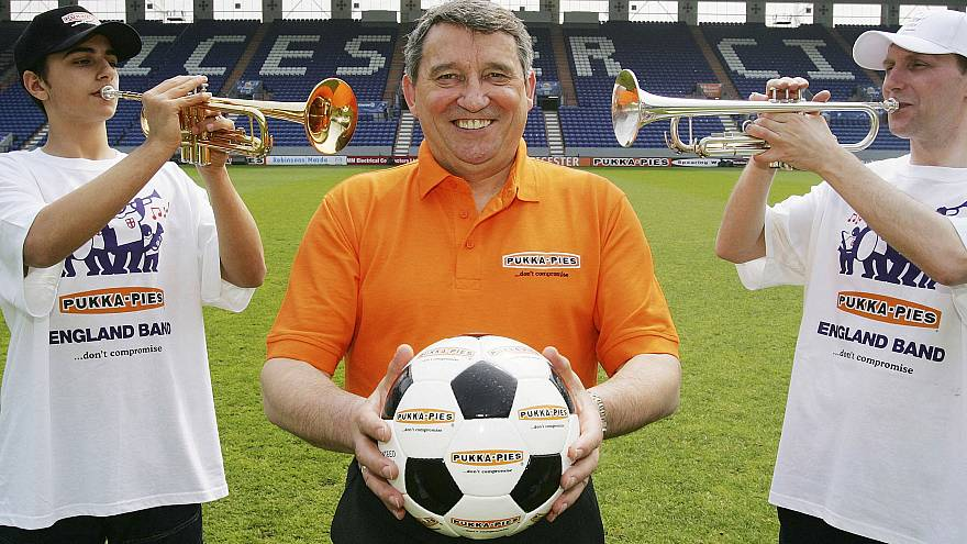 Former England football manager Graham Taylor dies