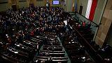 Oposição polaca levanta bloqueio ao parlamento
