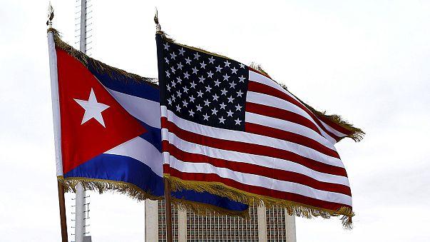 """واشنطن تنهي سياسة """"القدم المبللة والقدم الجافة"""" الخاصة بالكوبيين"""