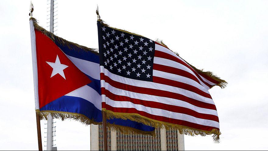 """США отменяют политику """"сухих и мокрых ног"""" в отношении кубинцев"""