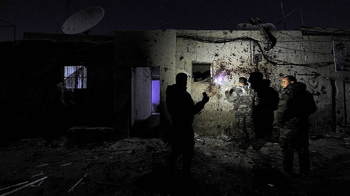 Siria, Damasco colpita due volte: raid israeliani e kamikaze