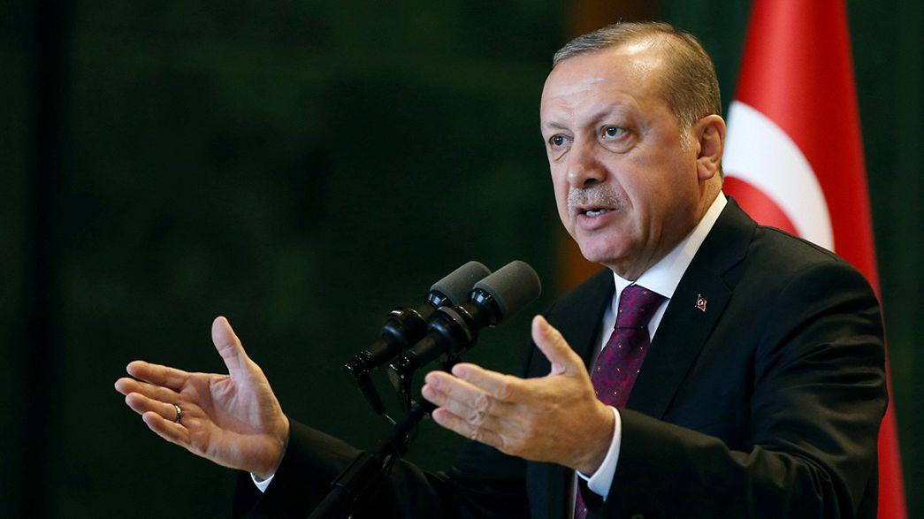 Turquía: aprobados 8 de los 18 artículos de la reforma constitucional que da más poder a Erdogan