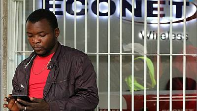 Zimbabwe suspends mobile tariff hike